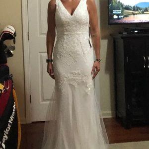 NWT Wedding Dress white lulus gown